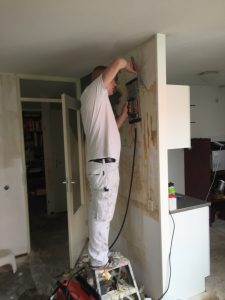 glasweefsel, glasvezel, glasvlies, behangen, behanger, behanger nederland, behanger amsterdam, schilder, schilderwerk, binnen schilderwerk, wandafwerking